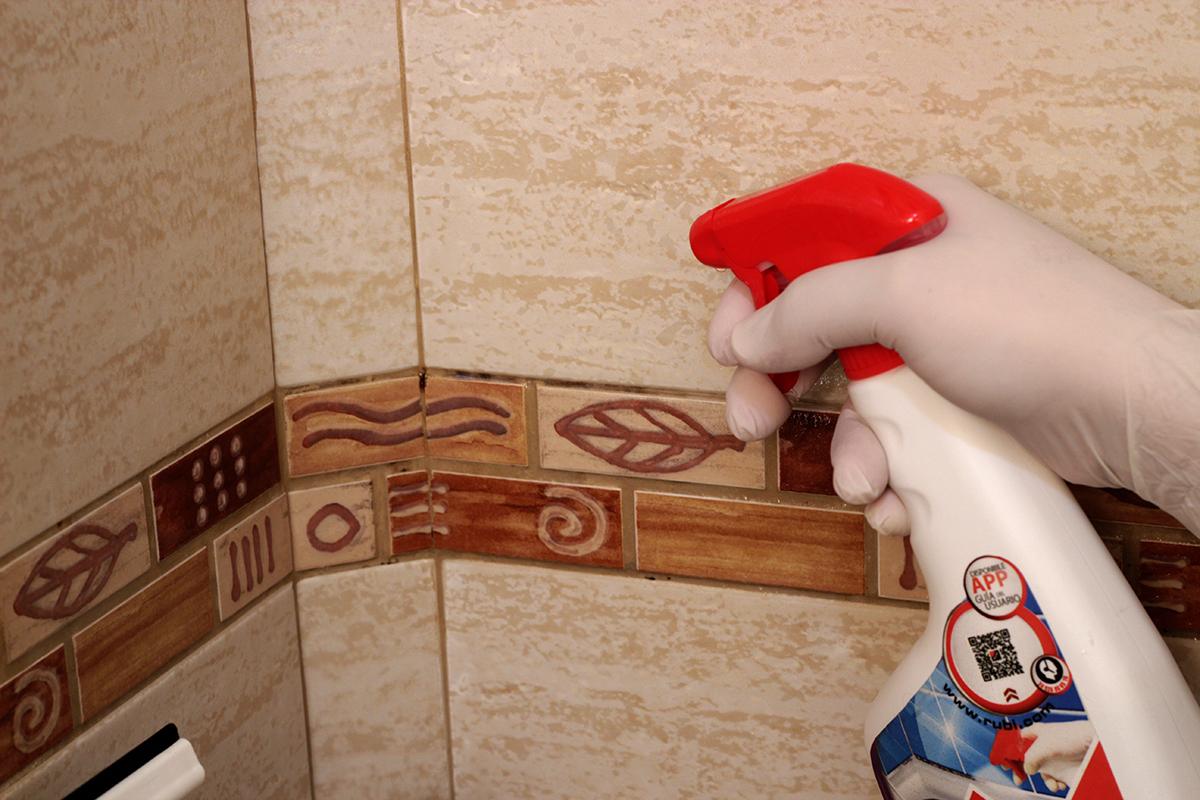 cómo quitar la mugre de la tina de baño